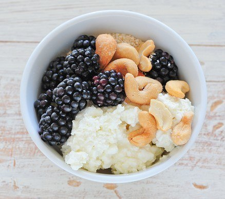 cottage cheese and berries