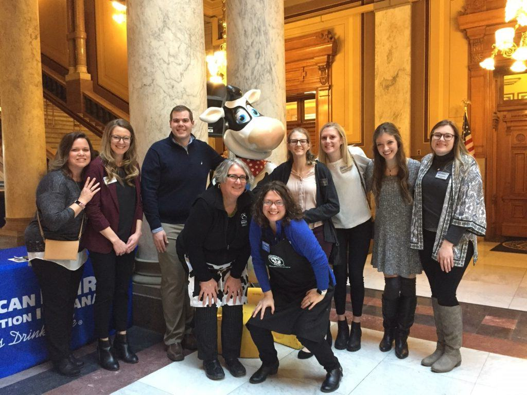 ISU dairy interns with Hanna and Michelle and Mark